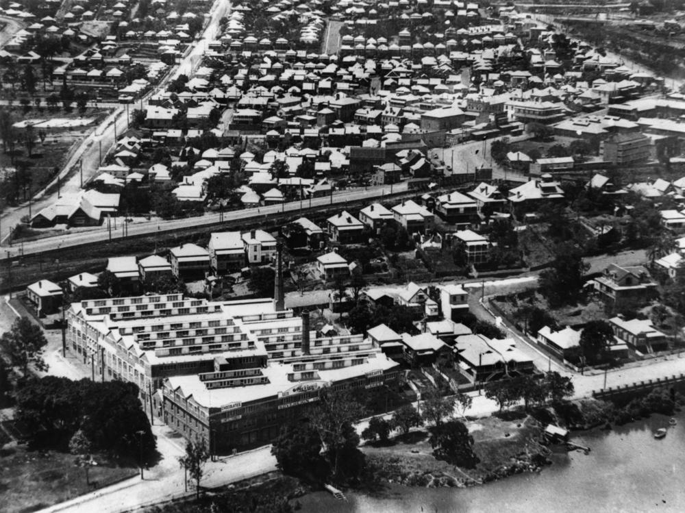 StateLibQld_1_114044_Aerial_view_of_Petrie_Terrace,_Brisbane,_ca._1925
